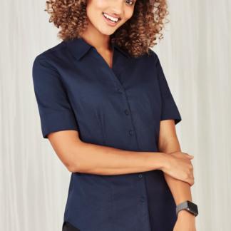 Ladies Short sleeve shirt y-neckline